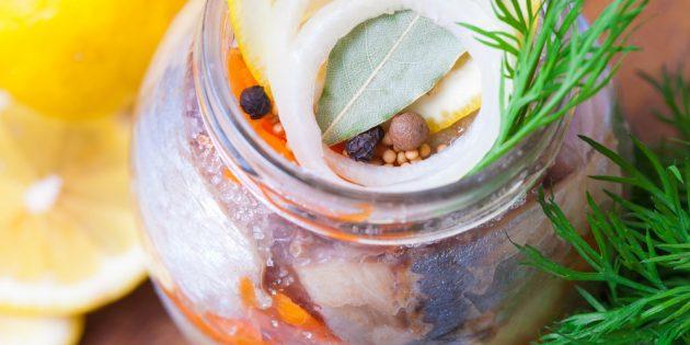Топ 10 рецептов как засолить селёдку в домашних условиях