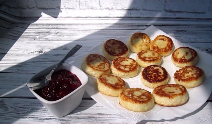 Сырники из творога с манкой рецепт с фото пошагово пышные как в садике