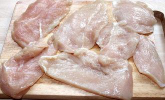 Куриное филе жареное в картофеле (969.2 ккал)