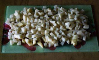 Солянка с копчеными ребрышками и колбасой