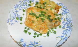 Филе тилапии в духовке с картошкой
