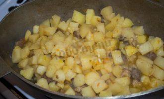 Картошка, тушеная в утятнице
